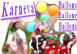 Kinder feiern Karneval mit Luftballons