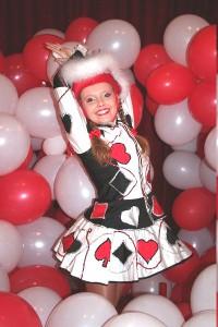 Tanzmarichen und Luftballons auf Karneval