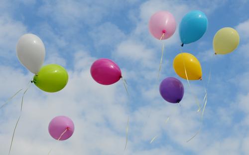 luftballons latex 23 cm 10 st ck bunt gemischt gute qualit t luftballons 23 cm. Black Bedroom Furniture Sets. Home Design Ideas