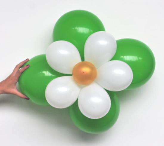 ballonblumen set blumen aus luftballons gr n wei gold 5 st ck ballonblumen sets do it. Black Bedroom Furniture Sets. Home Design Ideas