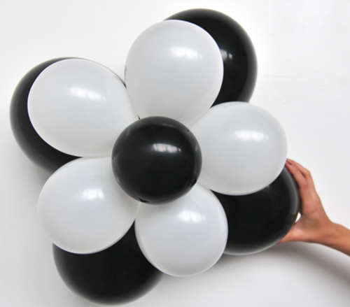 ballonblumen set blumen aus luftballons schwarz wei 5 st ck ballonblumen sets do it. Black Bedroom Furniture Sets. Home Design Ideas