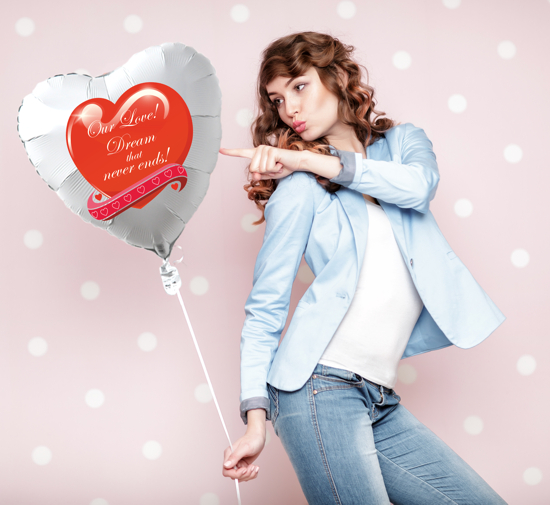 Geschenk-zum-Valentinstag-schwebender-Luftballon-Our-Love-Dream-That-Never-Ends