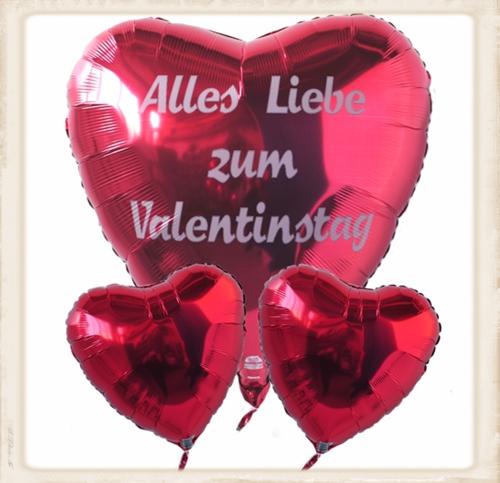 Geschenkidee und Überraschung zum Valentinstag, schwebende Heliem-Herzluftballons mit Liebesbotschaften