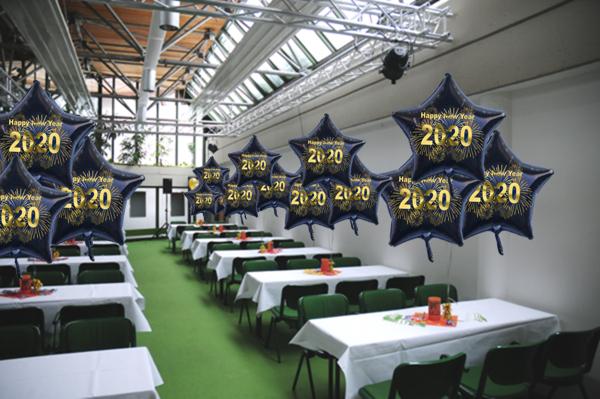 Silvester Dekoration mit Sternballons 2020