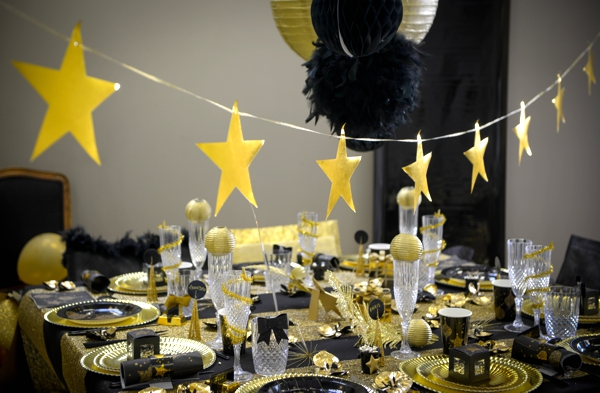 Girlande mit Goldsternen, Party- und Festdekoration