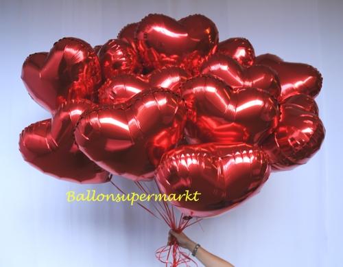 Herzluftballons aus Folie mit Helium in Rot, Luftballons zur Hochzeit steigen lassen