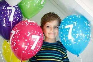 Luftballons mit Geburtstagszahlen