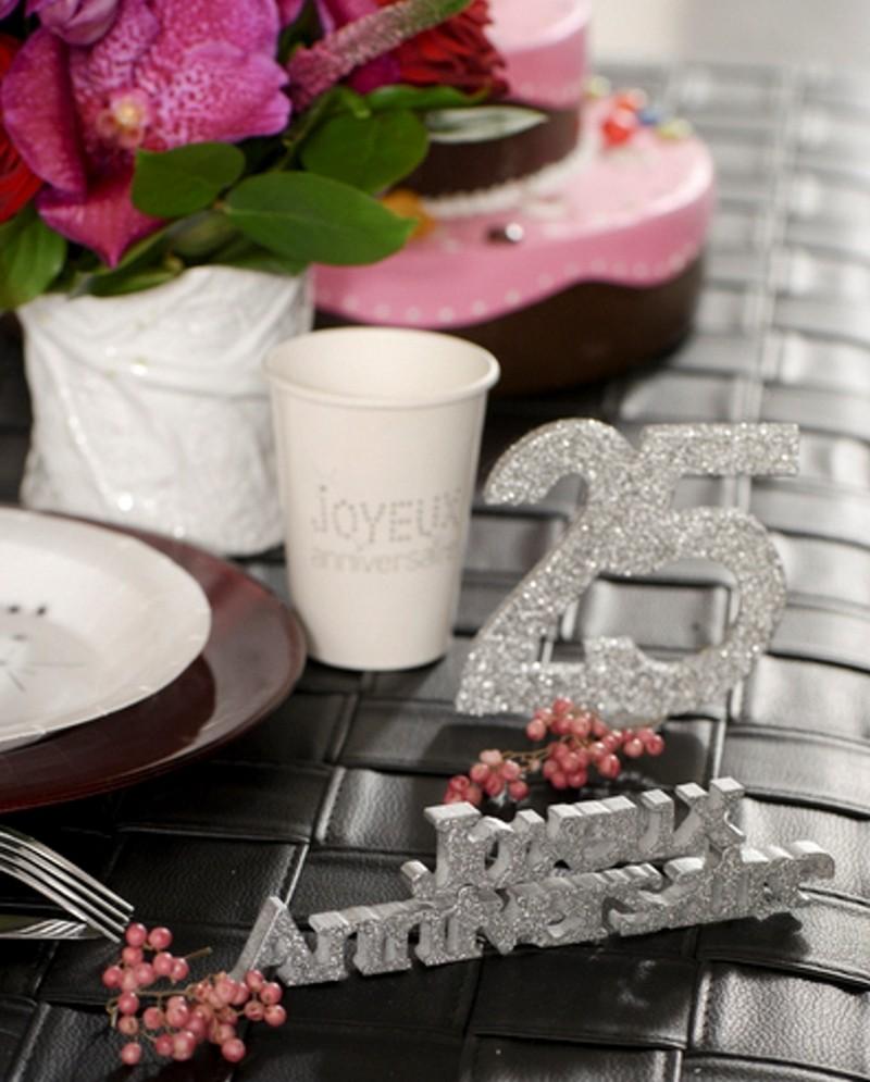 Tischaufsteller Zahl 25 Silber Glitzer Tischdekoration Zur