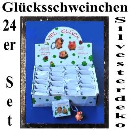 Glücksschweinchen in Geschenktütchen, Silvesterdeko Glücksbringer