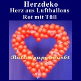 Dekoration zur Hochzeit, Herzdekoration aus Luftballons in Rot