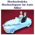 Hochzeitsdekoration, Brautpaar im Hochzeitsauto, silber