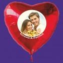 Großer Fotoballon in Herzform mit Hochzeitspaar, personalisiert, mit Namen der Brautleute. Inklusive Helium