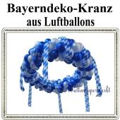 Bayrische Wochen Kranzdekoration aus Luftballons, Festraumdekoration, Festsaaldekoration in Blau-Weiß