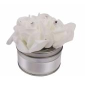 Deko-Dose mit weissen Rosen zur Hochzeit