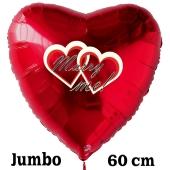 Großer Herzluftballon in Rot zum Heiratsantrag. Marry Me!