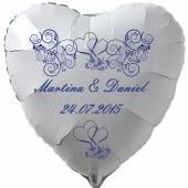 Luftballon zur Hochzeit, Herzballon aus Folie inklusive Helium mit den Namen von Braut und Bräutigam und Datum des Hochzeitstages, weiß mit blauen Ornamenten