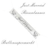 Dekoration-Hochzeit-Riesenbanner-Hochzeitsgelaende-Just-Married