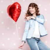 1 Herzluftballon in Rot mit Helium zum Valentinstag