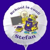 School is Cool! Personalisierter Luftballon aus Folie zur Einschulung mit dem Namen des Schulbeginners.