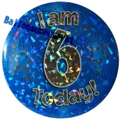 Jumbo Ansteckbutton, Tischaufsteller, I am 6 today, blau
