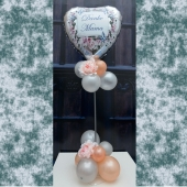 Danke Mama Ballondekoration und Tischdekoration zum Muttertag mit silbernem Herzluftballon