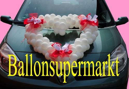 Herz-aus-Luftballons-Autodeko-Hochzeit-weiss