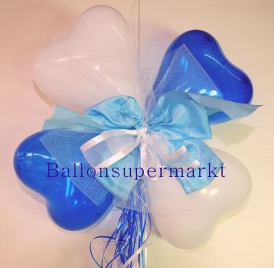 Ballondekoration-Herzballons-mit-Ringelband-und-Zierschleife-in-Blau-Weiss