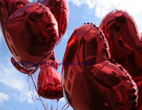 Rote-Herzluftballons-aus-Folie