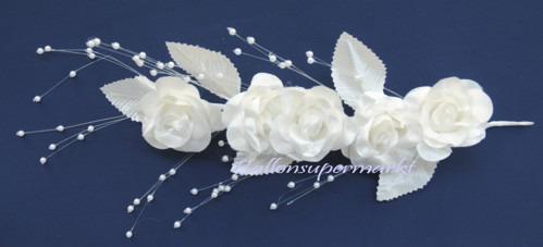 Weisses-Bluetengesteck-Hochzeit