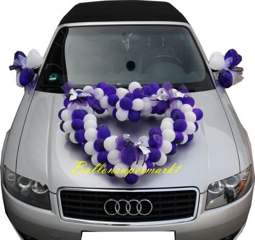 Herz-aus-Luftballons-Autodeko-Hochzeit-blau-weiss