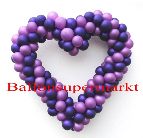 Hochzeit-Dekoration-Herz-aus-Luftballons-Lila-Flieder