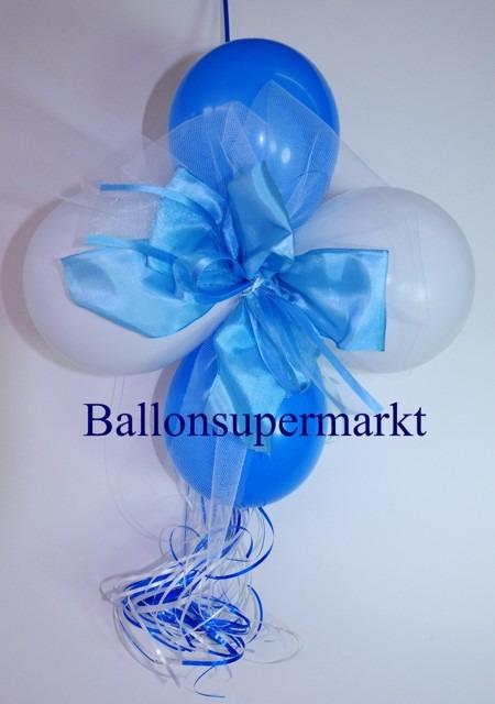 Dekoration-aus-Luftballons-zu-Hochzeit-Liebe-in-Farben-Weiss-Hellblau