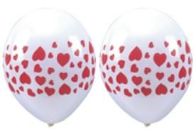 Luftballons mit roten Herzen