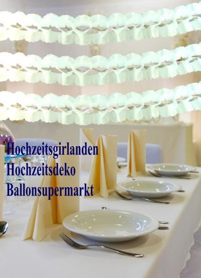 Hochzeitsgirlanden-Weiss-Dekoration-zur-Hochzeitsfeier