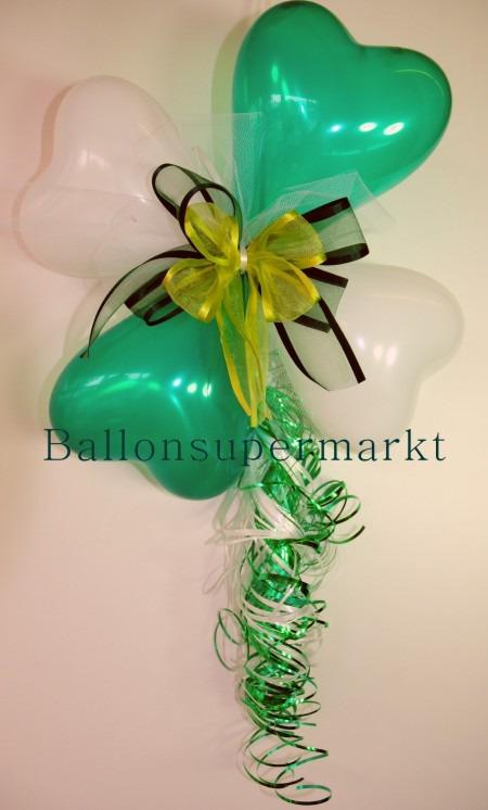 Dekoration-aus-Herzluftballons-mit-Zierschleife-Farben-Gruen-Weiss