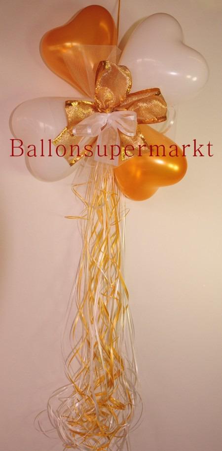 Dekoration-aus-Herzluftballons-mit-Zierschleife-Farben-Weiss-Gold
