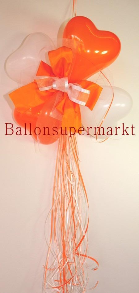 Dekoration-aus-Herzluftballons-mit-Zierschleife-Farben-Weiss-Orange
