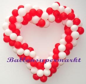 Herz-aus-Luftballons-in-Rot-Weiss-Dekoration-Hochzeit