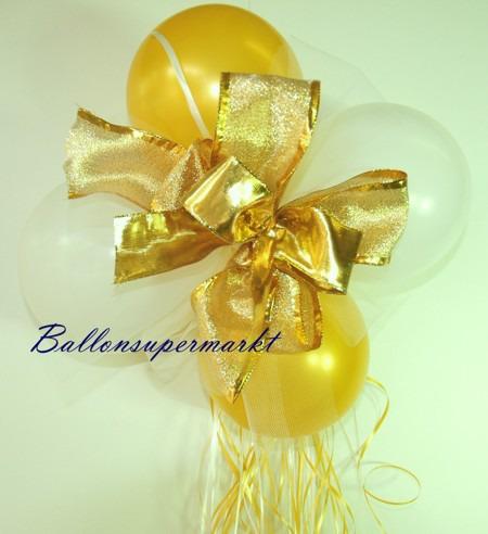 Dekoration-aus-Luftballons-zu-Hochzeit-Liebe-in-Farben-Weiss-Gold