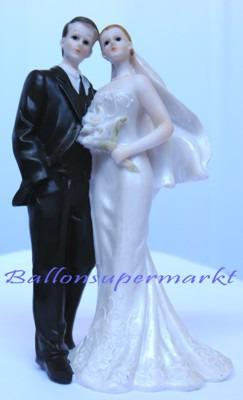 Hochzeitsdeko-grosses-Hochzeitspaar-Tischdeko