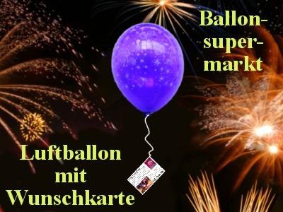 Luftballon-mit-Wunschkarte-steigt-zu-Silvester