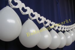 Hochzeitsdekoration Herzgirlande Luftballons 01