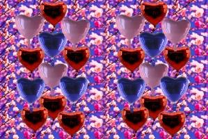 Herzballons aus Folie zur Dekoration der Hochzeit